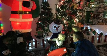 Wizzy helps Issy meet Father Christmas