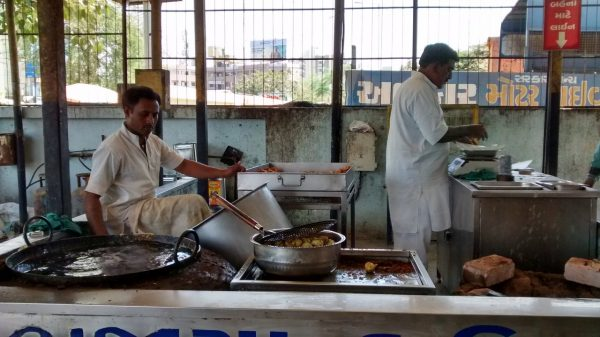Sabarmati Jail Prisoners Sell Popular Snacks in Ahmedabad to Support Their Families