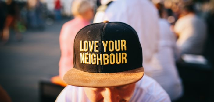Top Tips on How to Start Chatting With Your Neighbours