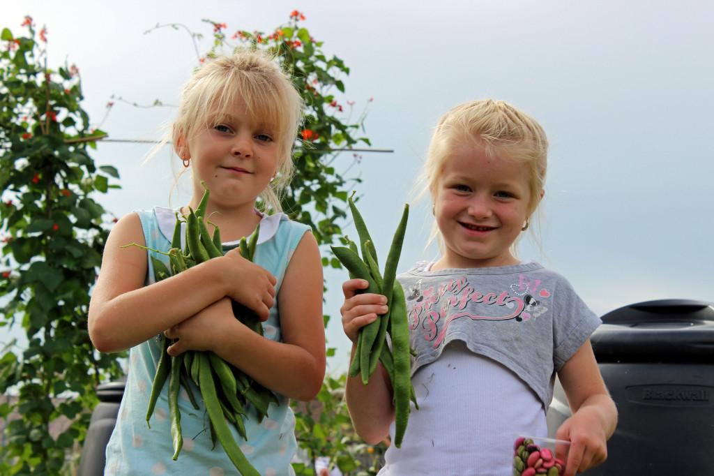 Volunteers Help Children Have The Summer They Deserve MakeLunch