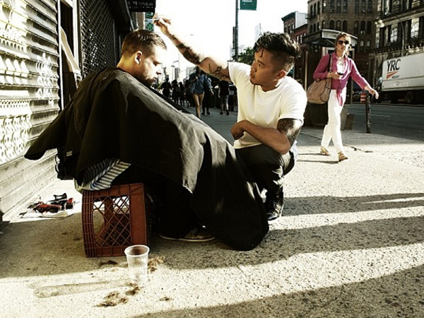 Hair Stylist Spends Day Off Giving Free Haircuts To Homeless People