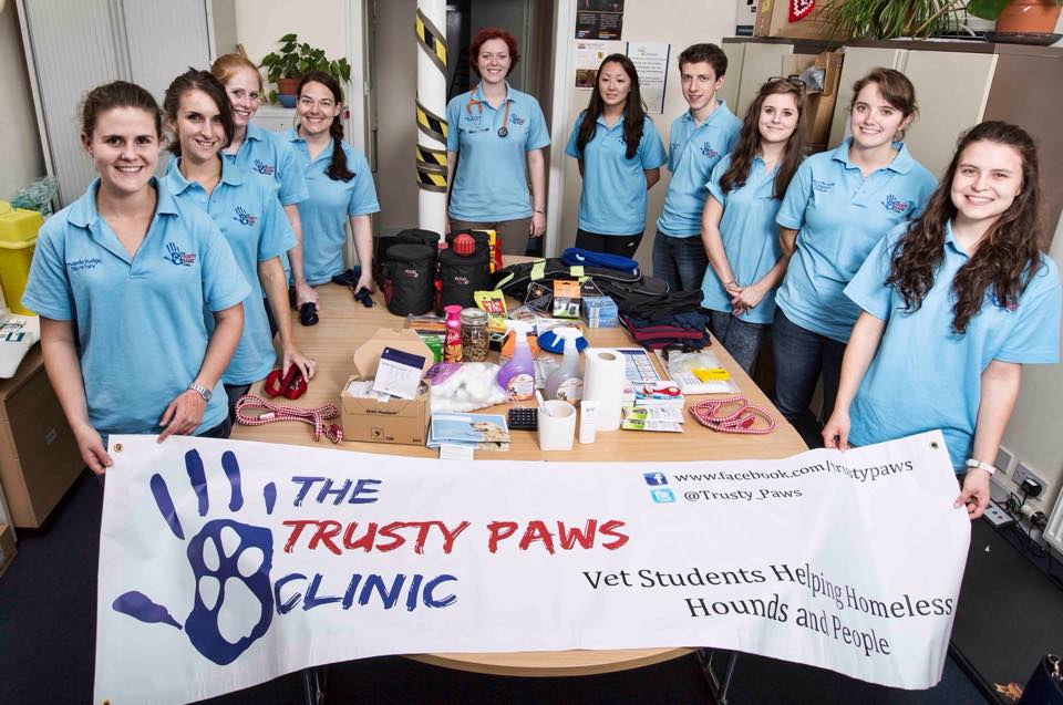 Student Vets Open The Trusty Paws Clinic To Treat Dogs Belonging To Homeless People