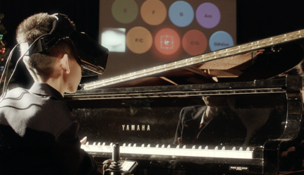 Virtual Reality Project 'Eye Play the Piano' is Amazing