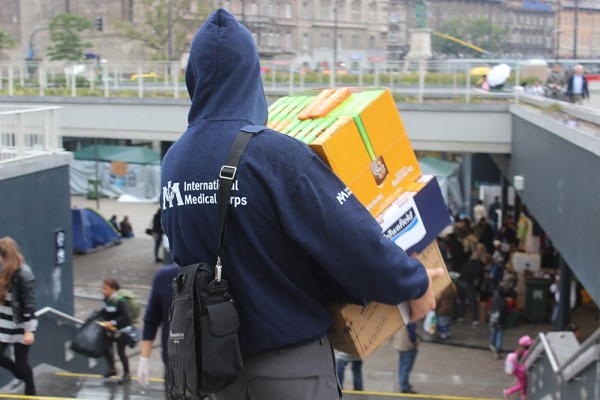 People Come Together to Help Syrian Refugees in Hungary