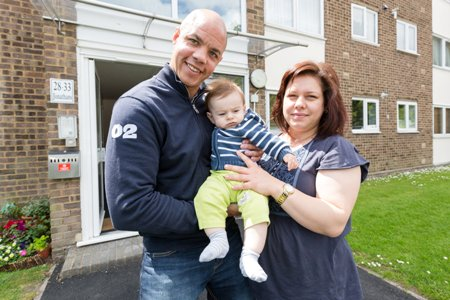 Heroic Volunteer Saves Baby thanks to his Quick Thinking