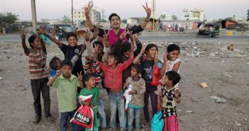 30,000 Items of Clothing Collected to Help Children in Slums Stay Warm This Winter
