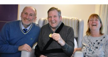 Hospice Patient Meets His Footballing Hero
