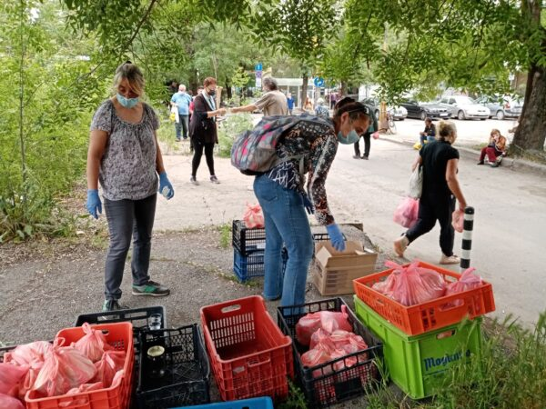 Food Not Bombs Soup Kitchen in Bulgaria Feeds Over 100 People Each Week